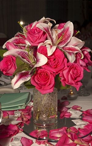 Wedding Flower Bouquets on Stunning Lilly   Rose Centerpiece Features  Oriental Lilies   Roses